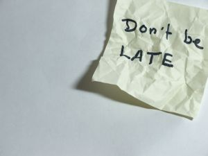 580773_dont_be_late.jpg